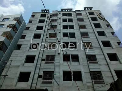 A Nice And Comfortable Flat Is Up For Sale In Jhautola Nearby Jhautola Jame Masjid.