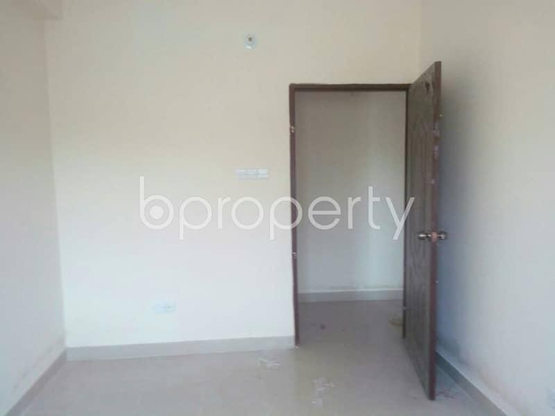 Near Sholoshohor Jame Masjid, flat for rent in Sholoshohor