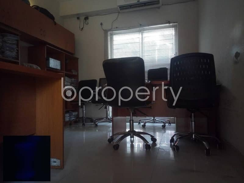 An Apartment Is Waiting For Sale At Baridhara Nearby University Of Information Technology And Sciences