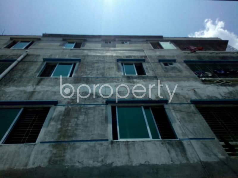 This 850 SQ Ft ready apartment at Race Course, near Cumilla Markaj Mosjid up for rent.