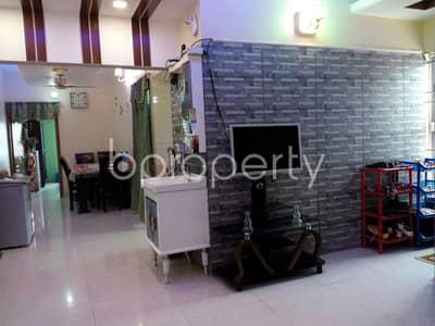 This ready apartment at Shahid Nagar, near Delowar Company Jame Masjid is up for sale.
