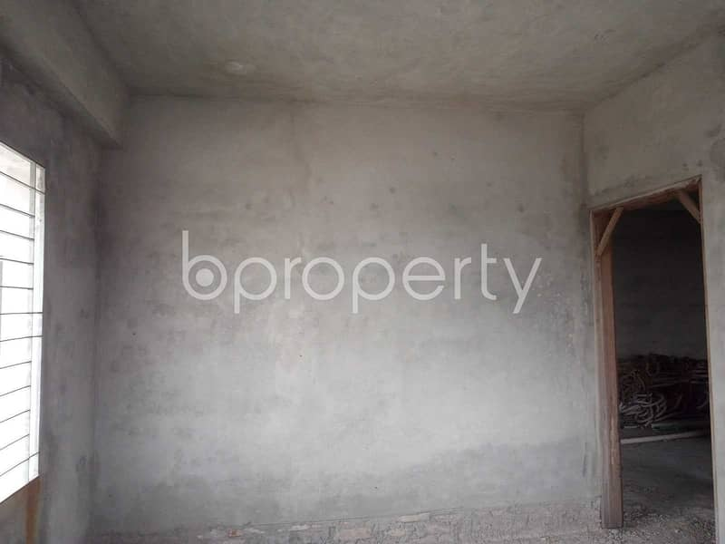 Nearly Finished Flat Is Up For Sale In Mirpur Nearby Kalyanpur Girls School And College.