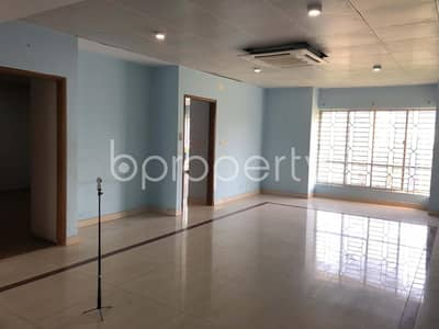 50 Bedroom Building for Rent in Gulshan, Dhaka - Well Planned Commercial Space Up For Rent In Gulshan 2, Near Embassy Of North Korea