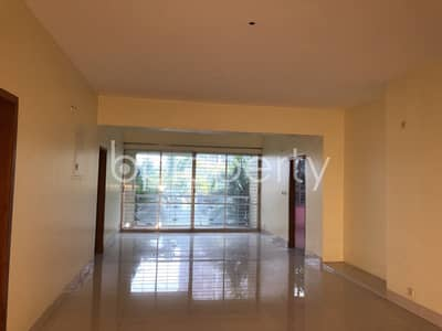 4 Bedroom Apartment for Sale in Bashundhara R-A, Dhaka - This Vast Apartment Is Available For Sale In Bashundhara R-a Near North South University