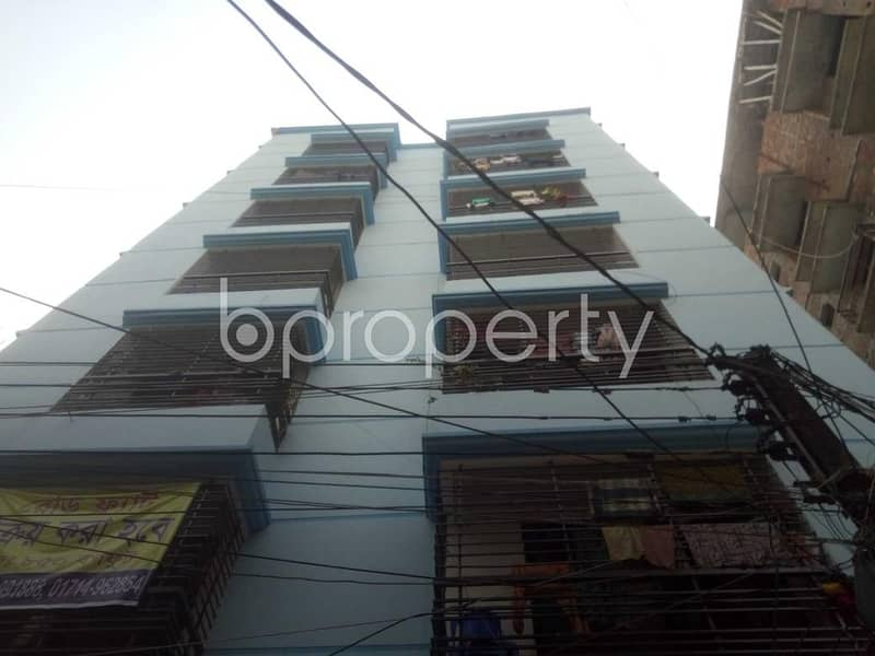 A 850 SQ FT apartment is up for sale at Khilbari Tek nearby Hasan Pharmacy.