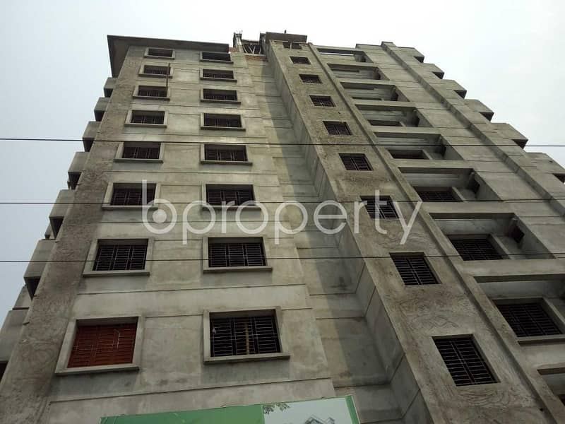A Flat Is Up For Sale In Bashundhara Nearby Sunflower School And College