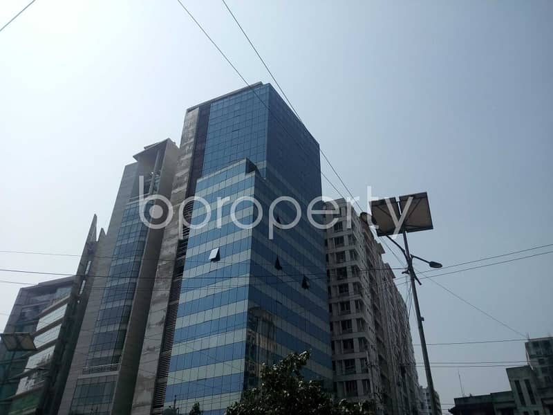 Set up your new office in the location of Kakrail nearby Islami Bank Central Hospital is prepared to be rented.