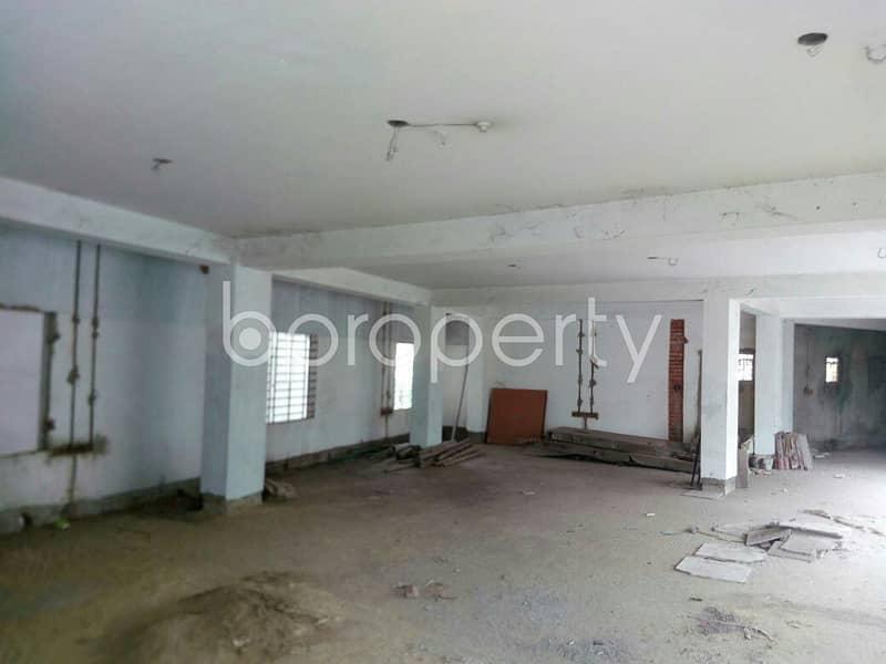 A Commercial Floor Is For Sale In Bagmoniram Nearby Jame Masjid