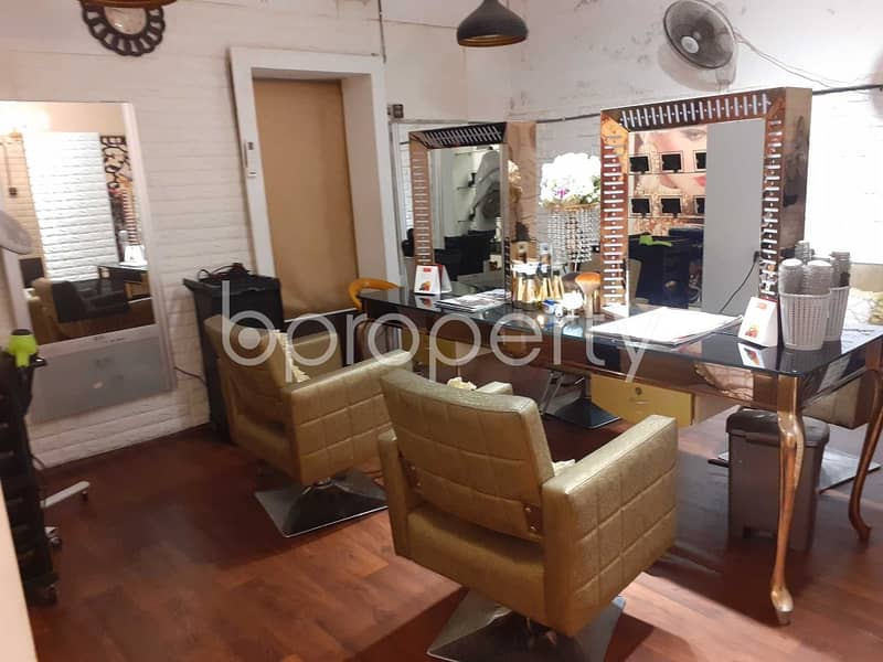 See this shop space for rent covering 1600 Sq. Ft. located in Banani near to Banani Jame Mosjid