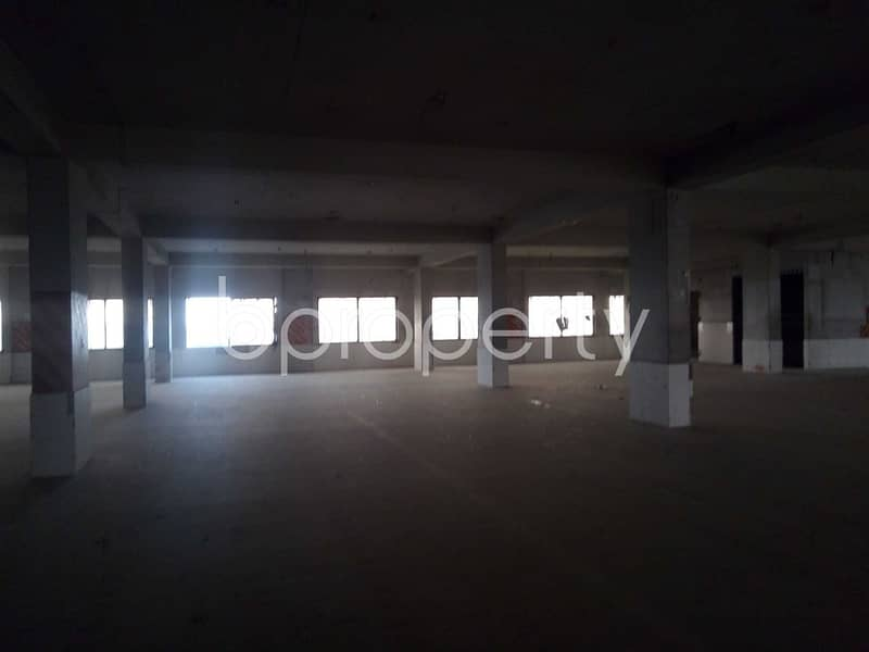 An Incredible Well planned Commercial Space Is Up For Rent In Bakalia Near Altaful bari Kendrio Jame Masjid