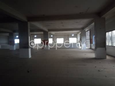 Near To Dilwara Jahan Memorial School, In Bakalia, A Commercial Office Is Ready For Rent