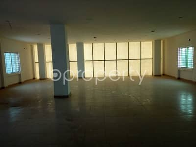 Floor for Sale in Badda, Dhaka - An office space is up for sale which is located in Shahjadpur, nearby Southeast Bank Limited.