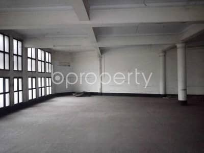 Apartment for Rent in Motijheel, Dhaka - Masterful and very ample office space is vacant for rent in Motijheel near to Baitul Mukarram National Masjid