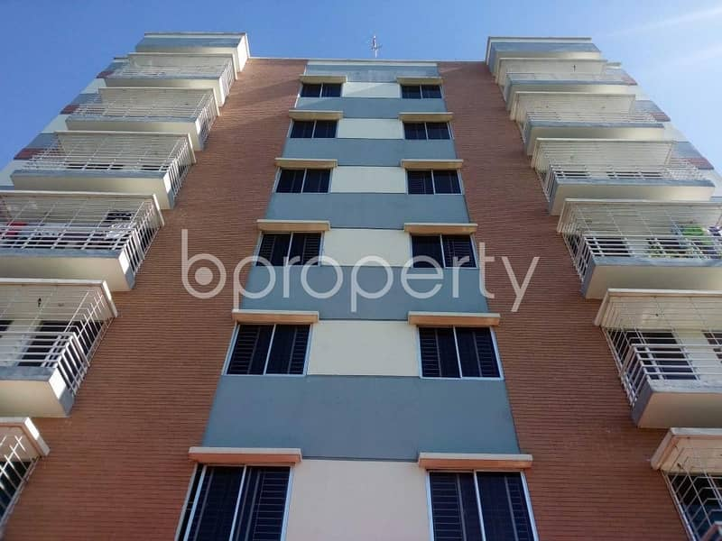 Well-constructed Apartment Is Ready For Sale At Aftab Nagar Nearby Aftabnagar Mosjid Madrasha Complex