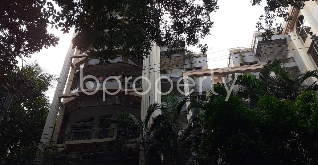 An Apartment Which Is Up For Sale At Gulshan 2 Near To Gulshan Model School And College .