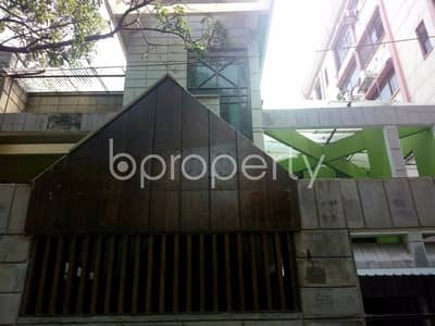 6 Bedroom Duplex for Rent in Banani, Dhaka - A dazzling 6000 SQ FT residential duplex property is up for rent located at Banani close to Banani DCC Unique Complex