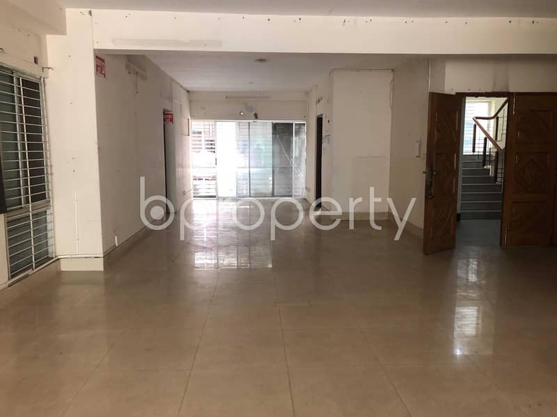 Impressive Flat Is Up For Sale In Gulshan 1, Near Center For Environmental And Geographic Information Services