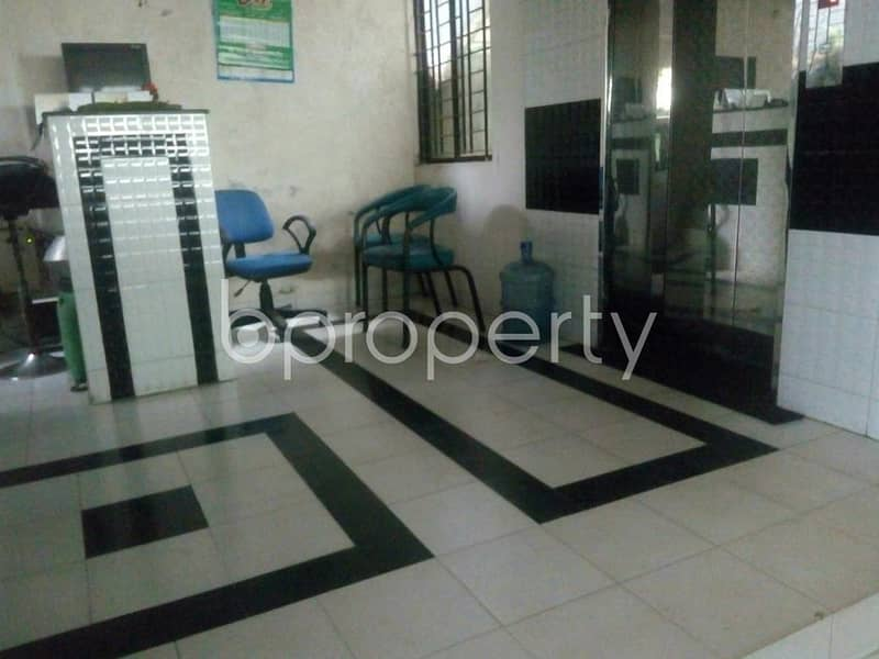 Imagine a spacious flat that comes with your affordability yes this 1200 SQ Ft beautiful apartment up for sale in Baridhara, near University of Information Technology and Sciences