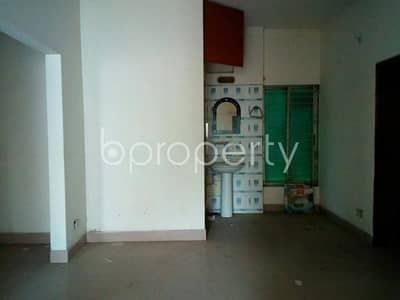 Picture yourself, residing in this well constructed and planned 1600 SQ FT flat in Taltola for rent, near Noor Jahan Masjid
