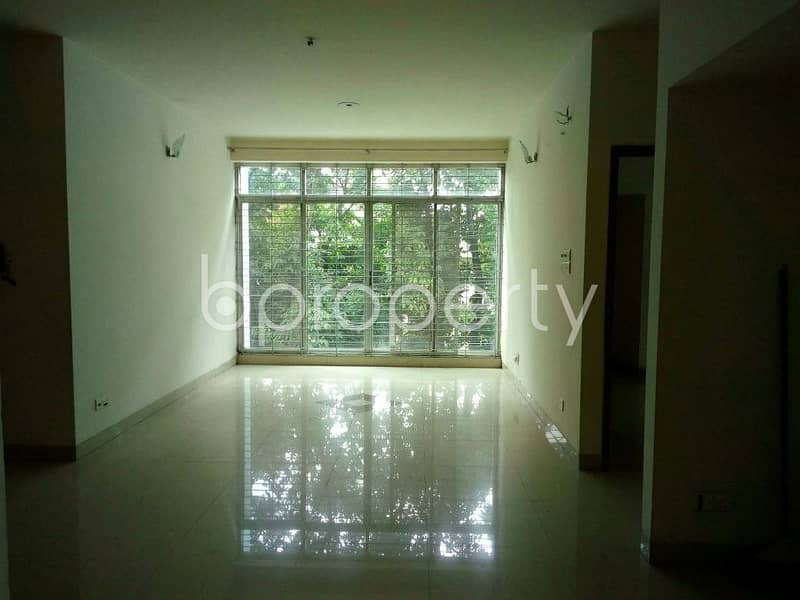 A nice residential flat of 2200 SQ FT for rent can be found in South Khulsi, nearby Port City International University.