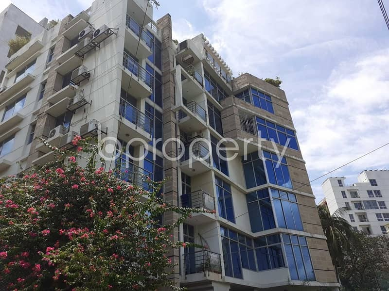 Grab This Flat Up For Sale In Banani Near Banani Club Field