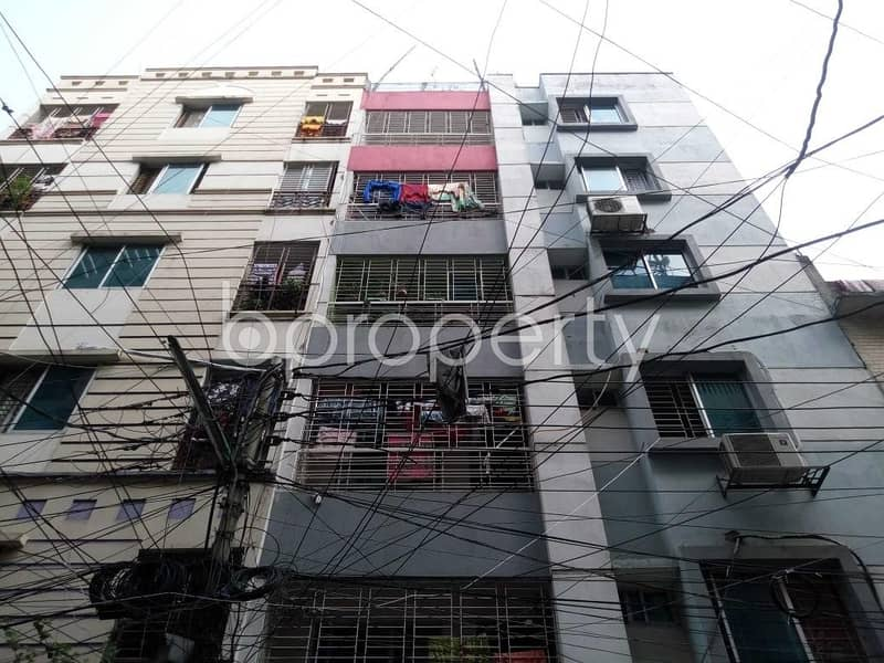 Grab This 700 Sq Ft, Flat Up For Sale In Tajmahal Road Near Standard Chartered Bank