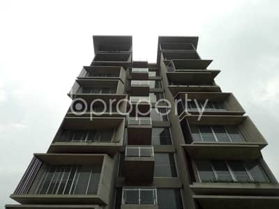 A 2050 SQ FT apartment is waiting for sale at Bashundhara nearby Apollo Hospitals Dhaka