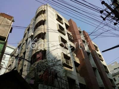 At Dhanmondi 1025 Square feet flat for Rent close to Jame Masjid