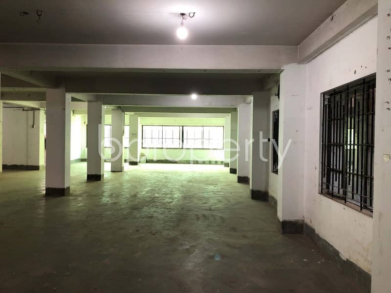 See This Office Space For Rent Located In Paribagh Near To Dhanmondi High School
