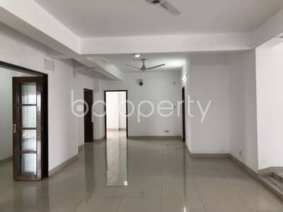 An Excellent Flat Is Up For Sale In The Location Of Cantonment Near To Khan Polli Jame Masjid