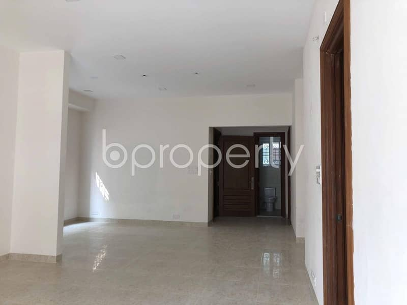 A Lavish Apartment Of 1888 Sq Ft Is Waiting For Rent In Bashundhara R-a Nearby North South University