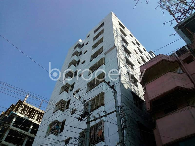 Close to Cumilla Modern High School, an apartment of 900 SQ FT for sale is available in Thakur Para