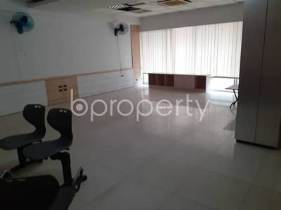 Floor for Rent in Motijheel, Dhaka - Near Islami Bank Office for rent in Motijheel