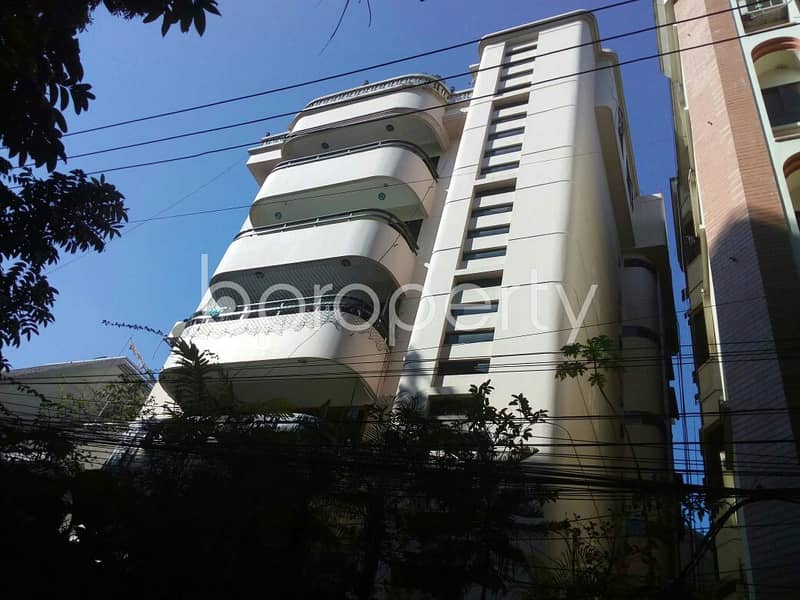Situated in Panchlaish, near First Security Islami Bank Limited | Panchlaish Branch, a 1000 SQ FT apartment is up for rent
