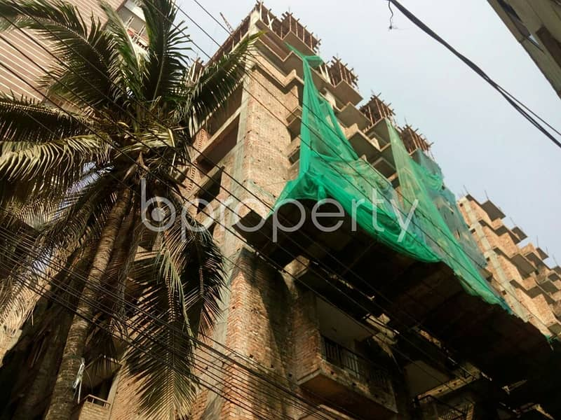 Grab This Flat Up For Sale In Uttar Badda Near Khanbag Jame Mosque