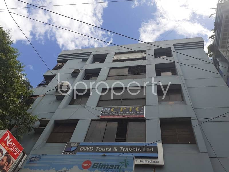 See This Office Space For Rent Located In Uttara Near To Daffodil International University.