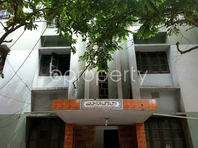 Office for Rent in Mirpur, Dhaka - Spend less and get more! Acquire this 400 Sq. Ft. exclusive office space up for rent in Mirpur near to Monipur High School and College