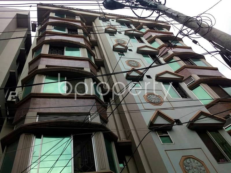 At Panchlaish 1400 Square feet flat is available for Rent close to Panchlaish Jame Masjid