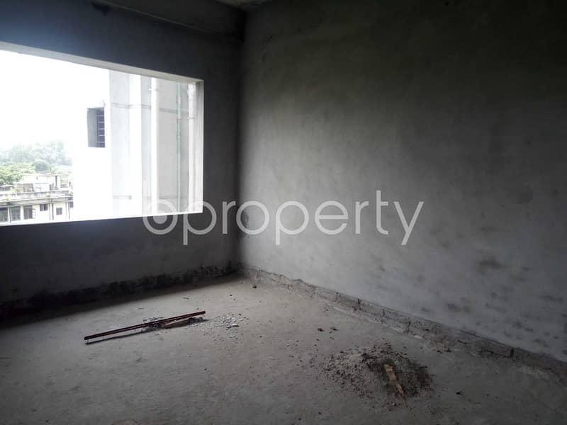At Nayatola flat for Sale close to Nayatola Park