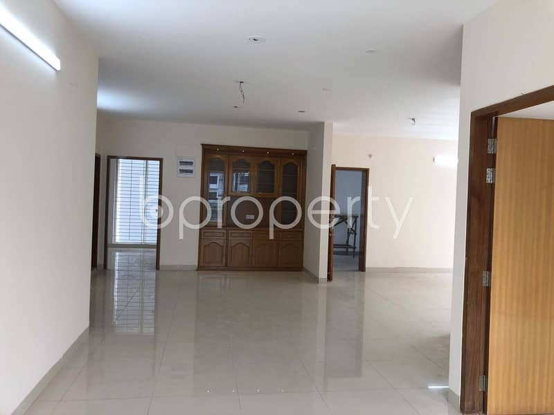 An Exclusive Apartment is Ready For Rent At Gulshan 1, Near BRAC Bank