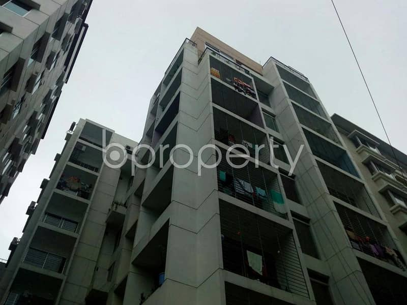 1600 SQ FT flat for sale at Bashundhara R-A adjacent to Apollo Hospital