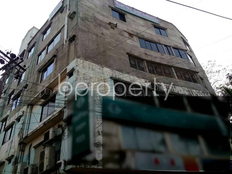 For renting purposes, a commercial space is available in Bayazid, 2700 SQ FT, near S. N Badsha Convention Hall