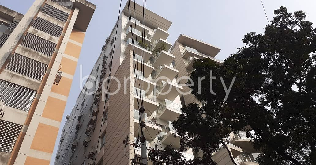In The Location Of Gulshan, Very Close To Embassy Of North Korea A Nice Flat Is Up For Rent.