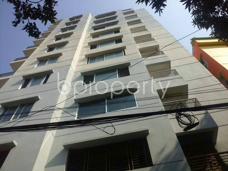 A nicely done and big sized 2224 SQ FT flat is available for sale at South Khulsi near to Holy Crescent Hospital