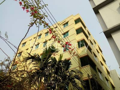 A 800 SQ FT flat is available for sale at Shiddhirganj with an affordable deal close to Sahebpara Bazar