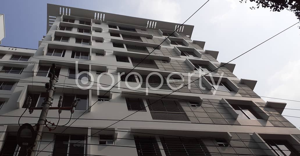 In Green Road Near Green Life Medical College And Hospital, A Flat Is Ready For Rent
