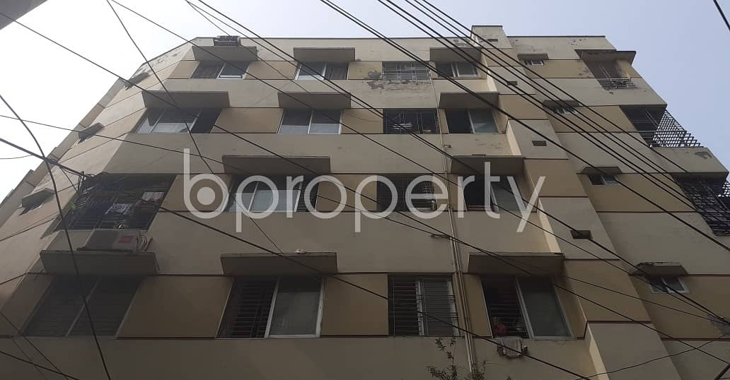 Near Dhanmondi Jame Masjid, flat for rent in Dhanmondi