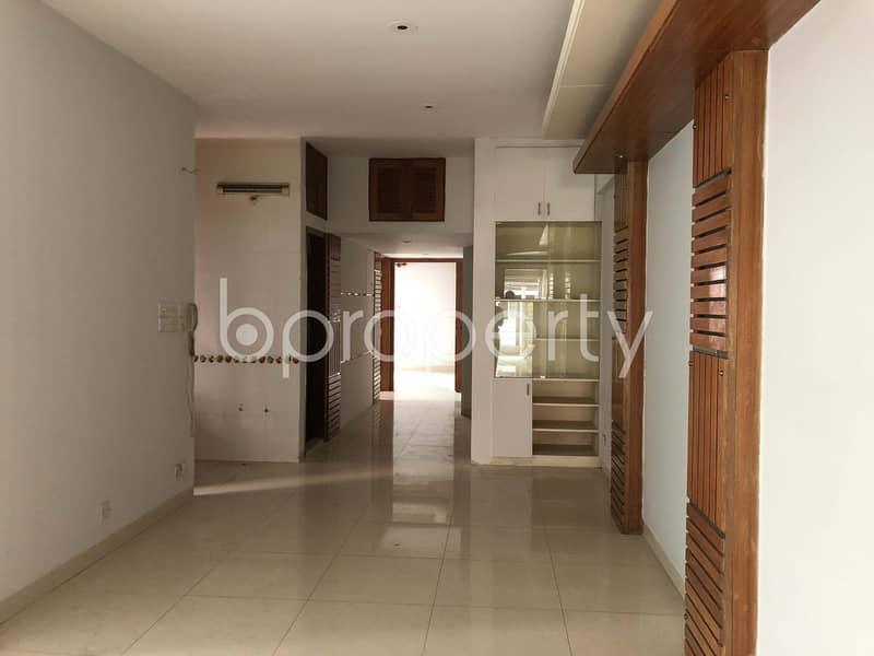 Elegant Flat For Sale In Banani Nearby Banani Jame Mosjid