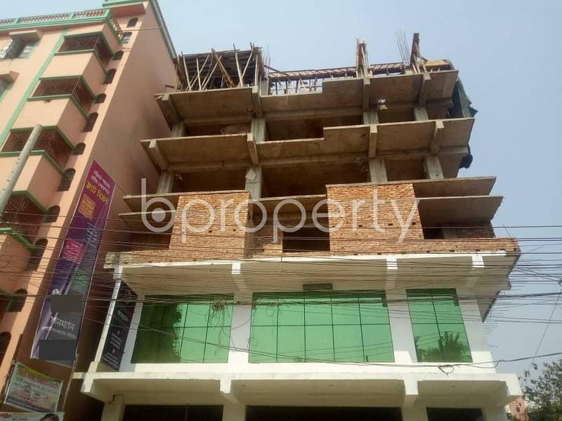 This Apartment At Firingee Bazaar, Near Khanekayeh Naqshabandia Muzzadadiah Is Up For Sale.