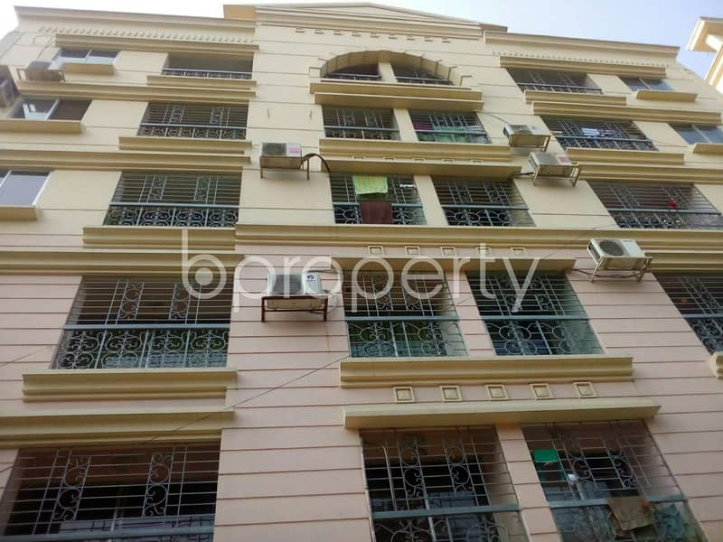 Well built and properly designed residential flat of 1700 SQ FT in South Khulsi for sale, near Khulshi Town Center